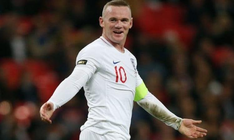 Wayne Rooney has a new contract oh his hands. And it is a big one,