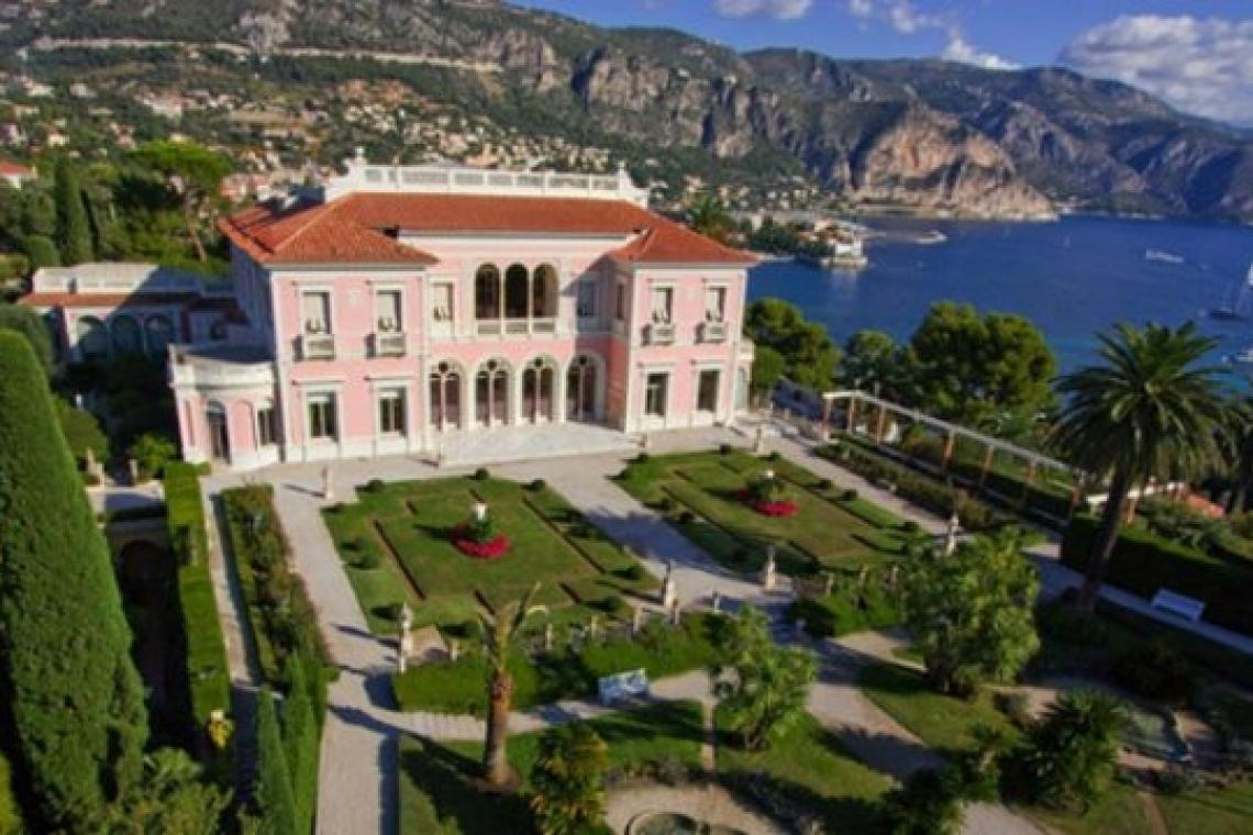 Ukraine's richest man buys world's most expensive house